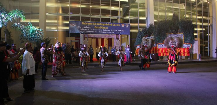 Unhan Selenggarakan Gala Dinner Indonesia International Defense Science Seminar (IIDSS)