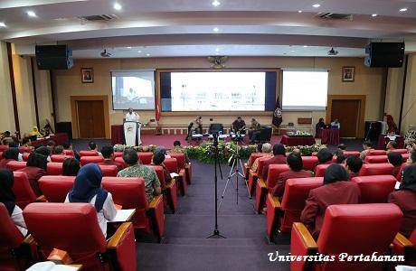 Seminar Umum Fakultas Manajemen Pertahanan dengan Tema Pengembangan Infrastruktur Sumber Energi Baru Terbarukan Untuk Peningkatan Ketahanan Energi Nasional di Provinsi Maluku
