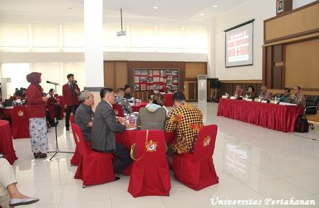 Diskusi Panelis Mata Kuliah Manajemen Energi