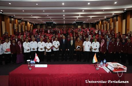 Unhan Gelar Kuliah Umum dari H.E Ambassador Hemant Krishan Singh dan Prof. Dr. M Mahfud M.D., S.H., S.U.