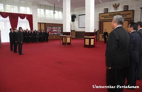 Unhan Laksanakan Pelantikan Ses Prodi Peperangan Asimetrik  dan Ses Prodi Diplomasi Pertahanan Fakultas Strategi Pertahanan