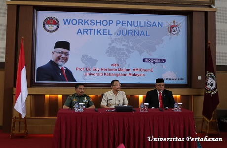 Unhan Selenggarakan Workshop Penulisan Jurnal Ilmiah