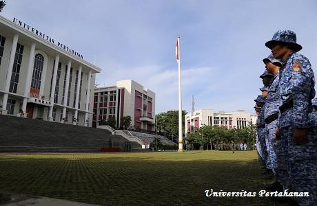 Unhan Laksanakan Upacara Bendera Bulanan