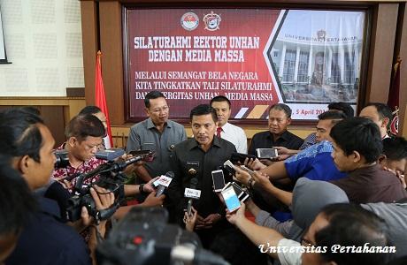 Rektor Unhan Silaturahmi dengan Awak Media Massa
