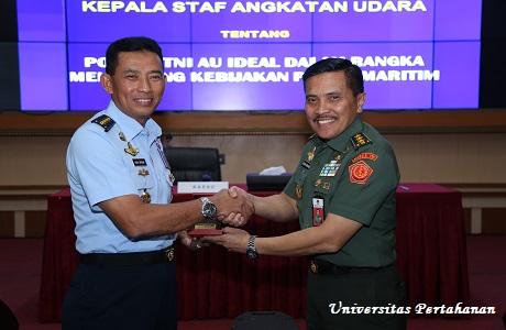 Postur TNI AU Ideal Dalam Rangka Mendukung Kebijakan Poros Maritim Sebagai Materi Kuliah Umum Kasau kepada Mahasiswa Unhan