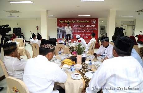 Rektor Unhan Buka Puasa Bersama dengan Civitas Akademikia Unhan