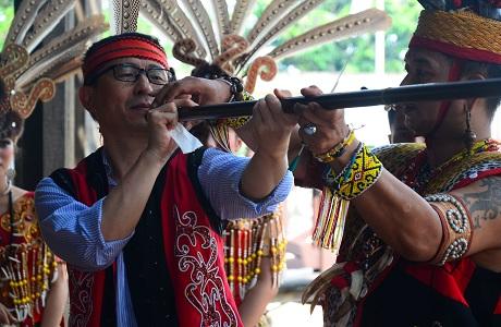 Unhan Ajak Tamu delegasi IIDSS 2018 Mengenal Budaya Indonesia