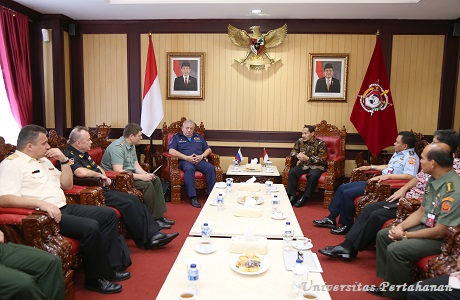 Unhan terima kunjungan Military Academy Of The General Staff (AGS) Russian