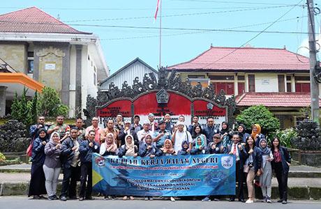 Mahasiswa FKN Unhan Kunjungi Kecamatan Kintamani