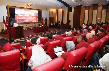 Kuliah Umum Kepala Bursa Efek Indonesia Kantor Perwakilan Jabar Reza Sadat Shahmeini, SE., MM