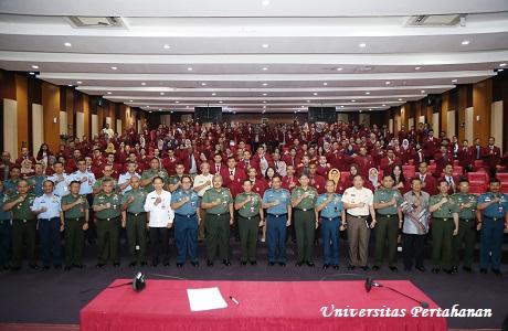 Panglima TNI Berikan Kuliah Umum Bagi Mahasiswa Unhan Tentang  Dimensi Sistem Pertempuran Modern