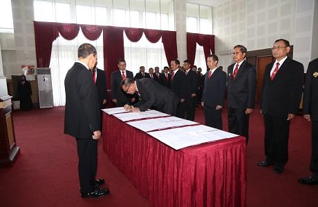 Rektor Unhan Pimpimpin Sertijab Pejabat Eselon I dan II dilingkungan Unhan