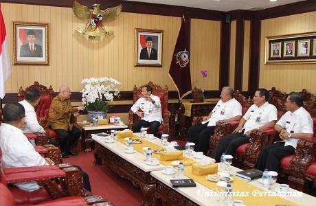 Kuliah Umum Menteri Kelautan & Perikanan yang di Wakili oleh Koordinator Staf Khusus Satgas 115 Dr. Mas Achmad Santosa, S.H., L.L.M