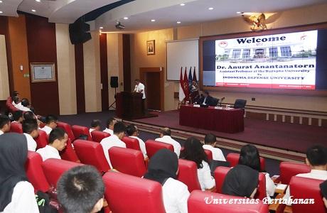 Kuliah Umum Assistant Professor Burapha University Dr. Anurat Anantanatorn