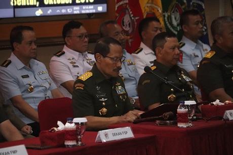 Rektor Unhan Pimpin Upacara Penutupan Pendidikan Pascasarjana Magister Ilmu Pertahanan Periode II TA.2019