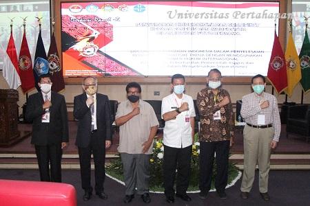 Unhan Laksanakan Diskusi Panel kedua Penelitian Tentang Papua