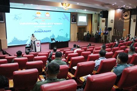 "Kegiatan Short Course ""On Warfare and Strategy"""
