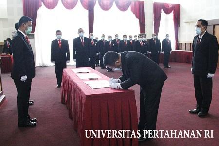 Rektor Unhan Pimpin Pengangkatan Sumpah dan   Pelantikan Jabatan serta Sertijab Pejabat di Lingkungan Unhan