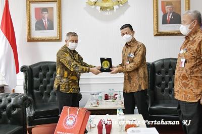 Rektor Unhan RI Terima Kunjungan Fakultas Farmasi UI