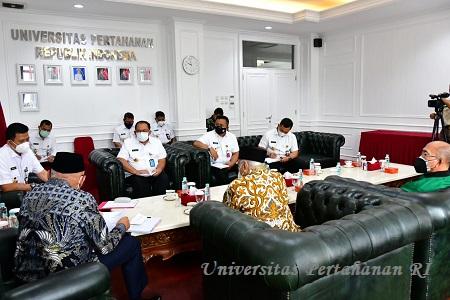 Rektor Unhan RI Menerima Audiensi dari Yayasan Pembela Tanah Air