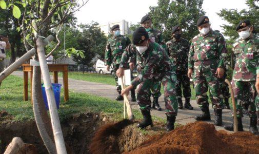 Rektor Unhan RI Laksanakan Penanaman Pohon Baobab