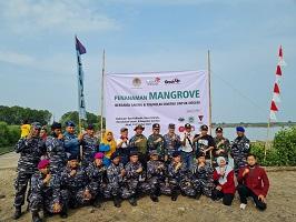 Prodi Keamanan Maritim (KM) Unhan RI Melakukan Penanaman Mangrove Desa Ambulu Cirebon